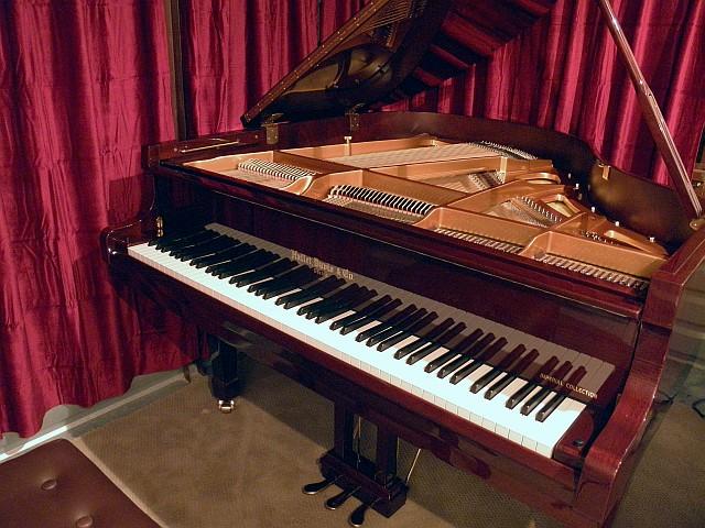 Hallet Davis HD152C 5′ Baby Grand Piano