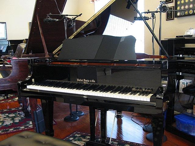 Hallet Davis HS175A 5'9 Parlor Grand Piano