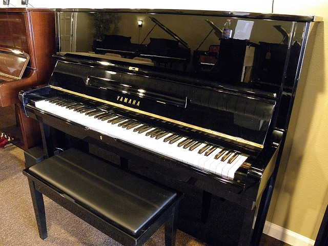 Yamaha U2M #3035500 50-inch Studio Upright